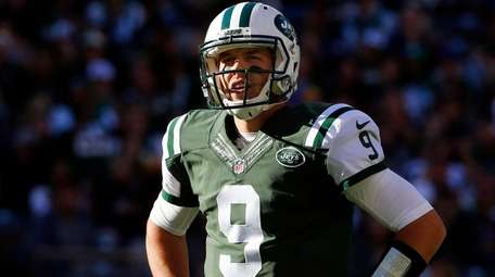 Bryce Petty of the New York Jets looks