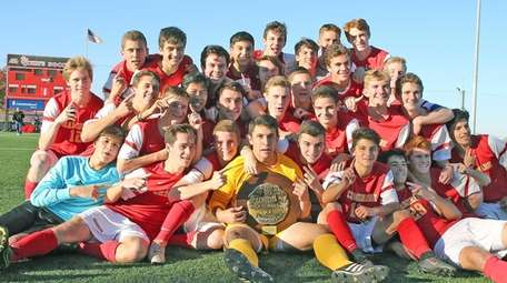 Chaminade players pose after the CHSAA state final