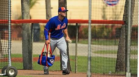 Tim Tebow of the New York Mets works