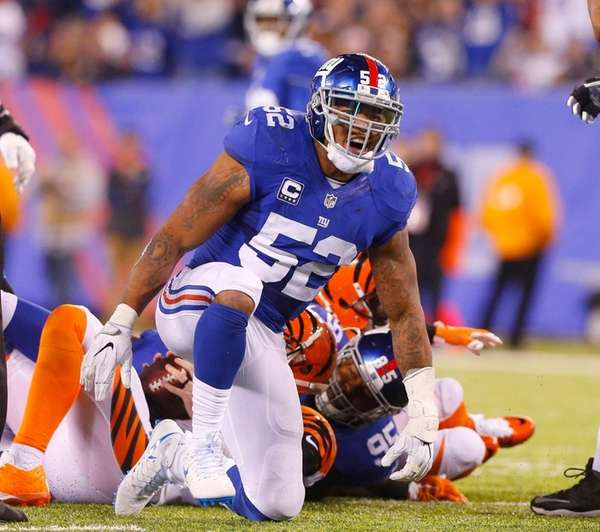 Jonathan Casillas of the New York Giants reacts