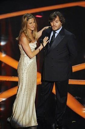Jennifer Aniston and Jack Black present an award