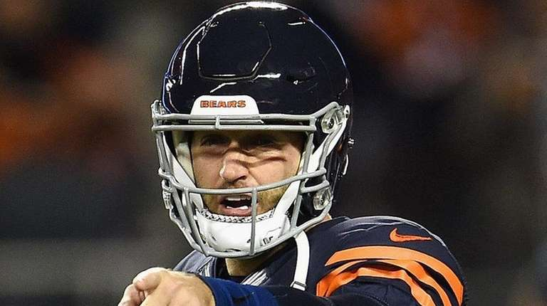 Jay Cutler of the Chicago Bears gestures before