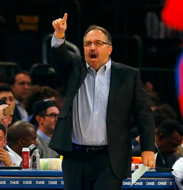 Pistons coach Stan Van Gundy reacts during the