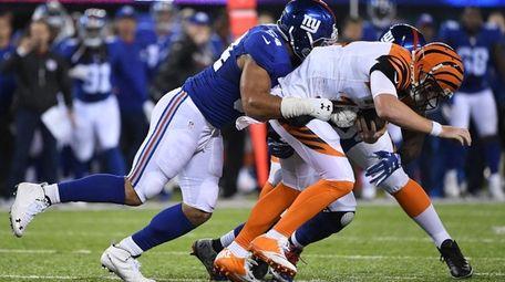 New York Giants defensive end Olivier Vernon sacks