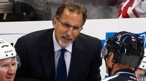 Columbus Blue Jackets head coach John Tortorella, center,