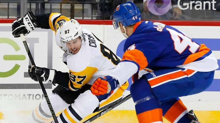 Sidney Crosby #87 of the Pittsburgh Penguins controls