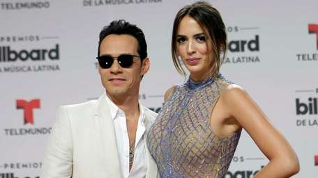 Singer-songwriter Marc Anthony and model Shannon De Lima