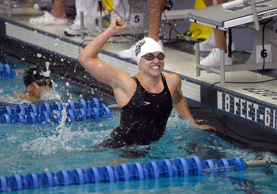 Long Beach's Maggie Aroesty celebrates her state record