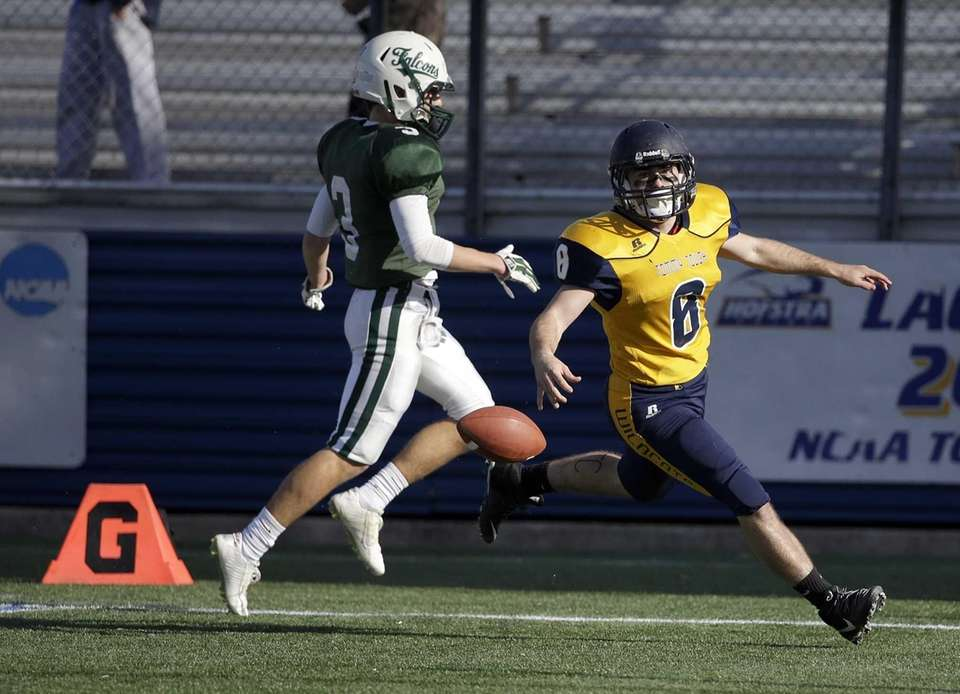 Chris Rosati rushed for 110 yards and scored