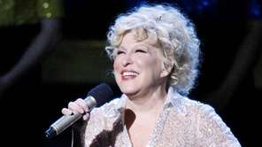 Bette Midler during her final performance of