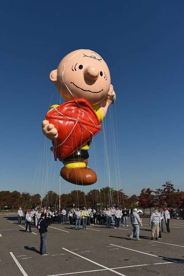 Charlie Brown flies at Macy's Balloonfest in preparation