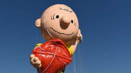 Charlie Brown flies at Macy's Balloonfest in preparation