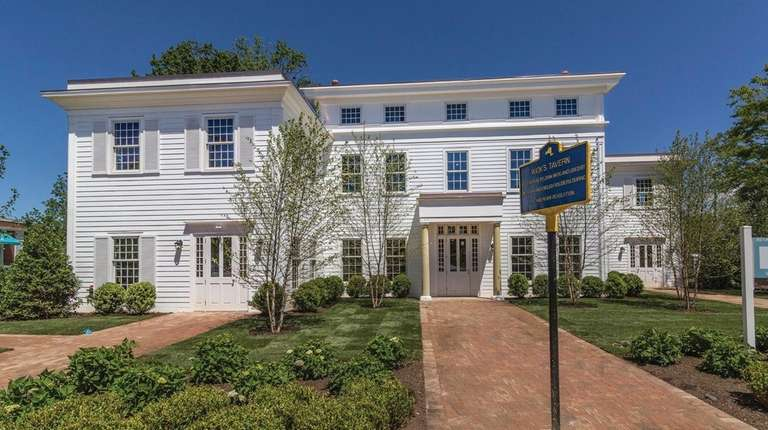 This 9,000 square-foot Bridgehampton commercial building is located