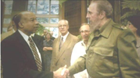 Former Newsday reporter Ron Howell met Cuban President