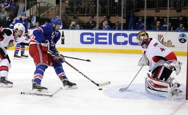 New York Rangers right wing Rick Nash's (61)