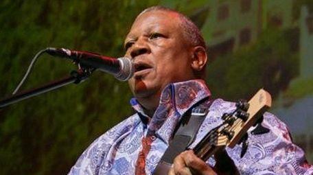 South African musician Bakithi Kumalo, who plays bass