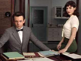 Actors Michael Sheen, who plays Dr. William Masters,