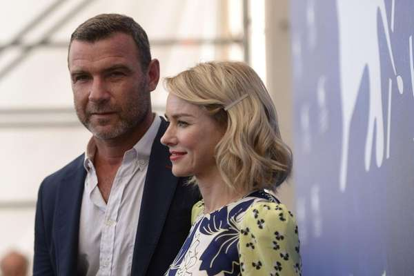 Liev Schreiber and Naomi Watts attend the photo