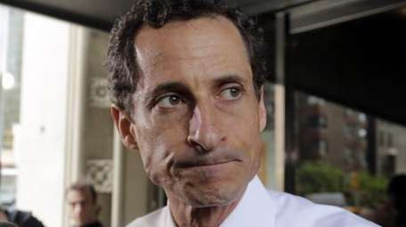 Former New York Rep. Anthony Weiner leaves his