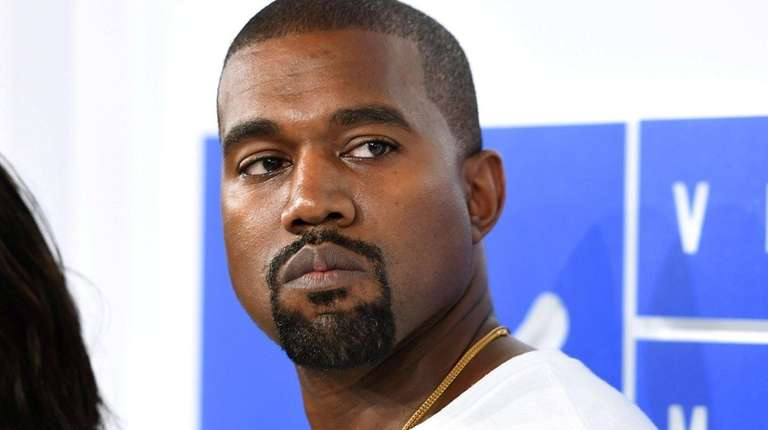 Kanye West attends the 2016 MTV Video Music