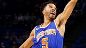 New York Knicks' Courtney Lee tries to thwart
