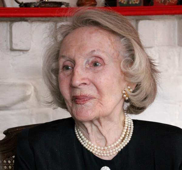 Evelyn Johnson, who once hosted Ted Kennedy at