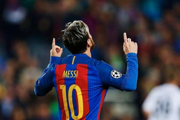 FC Barcelona's Argentinian striker Lionel Messi celebrates his