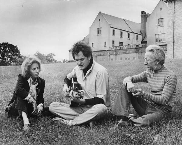 Musician Harry Chapin, center, at Coindre Hall in
