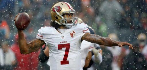 San Francisco 49ers quarterback Colin Kaepernick (7) throws