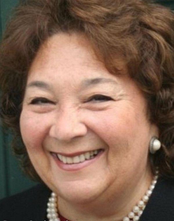 Donna Peirez was elected a Great Neck Public