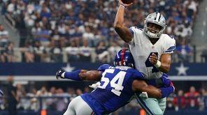 Dallas rookie quarterback Dak Prescott gets rid of