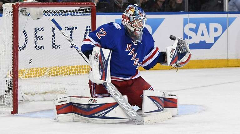 New York Rangers goalie Antti Raanta keeps his