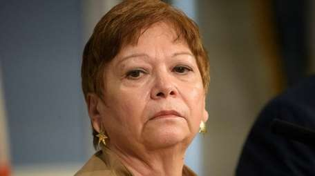 Gladys Carrión resigned her position as Administration