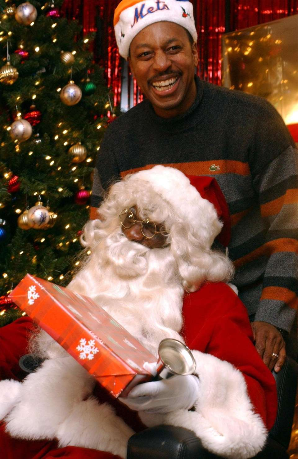 Mike Cameron dressed as Santa during the Mets'