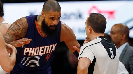 Phoenix Suns center Tyson Chandler, arguing with referee