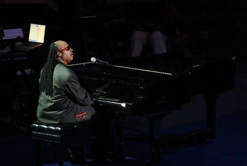 Musician Stevie Wonder performs at the memorial service