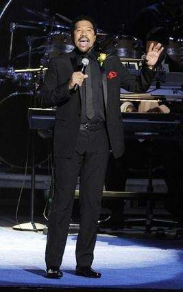 Singer Lionel Richie performs at Michael Jackson's memorial