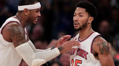 New York Knicks forward Carmelo Anthony, left, congratulates