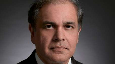 Dr. Imran Wahedna of Smithtown has joined the