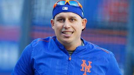 New York Mets shortstop Asdrubal Cabrera (13) during