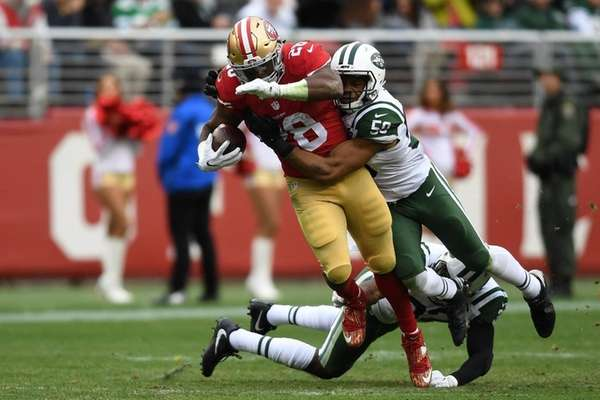 Carlos Hyde #28 of the San Francisco 49ers