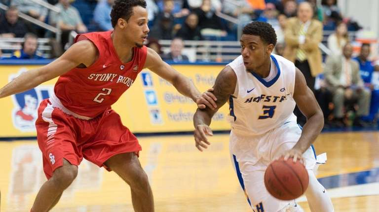 Hofstra guard Justin Wright-Foreman (3) drives on Stony