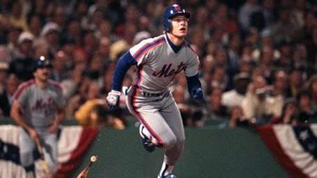 Lenny Dykstra homers to lead off Game 3