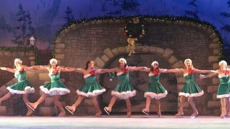 Long Island's competitive figure skaters perform at Gateway's