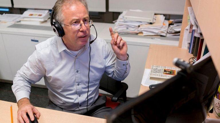 Nikolai Borodulin, Associate Director for Yiddish Programming, teaches