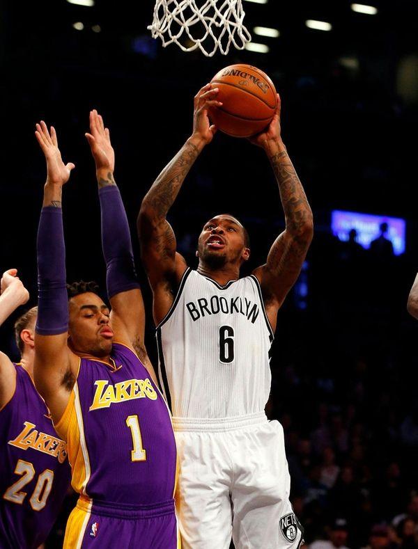 Sean Kilpatrick #6 of the Brooklyn Nets puts
