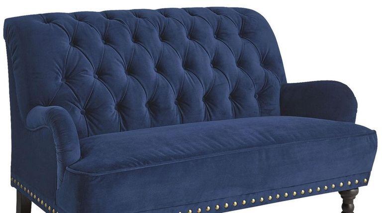 Blue velvet is a strong start: This Chas