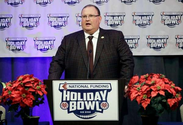 Minnesota head coach Tracy Claeys speaks during a