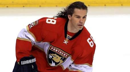 Jaromir Jagr #68 of the Florida Panthers looks