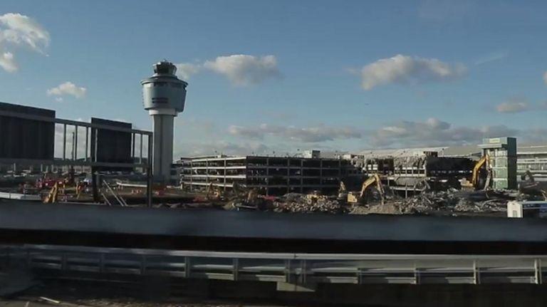A nearly $10 billion renovation of LaGuardia Airport